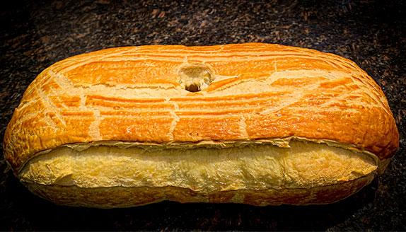 pâté en croûte ou pâté vigneron de la boucherie Kolifrath